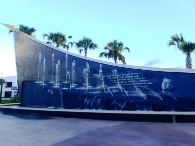 fk fountain, kennedy space center visitors complex, florida, the greener bench blog