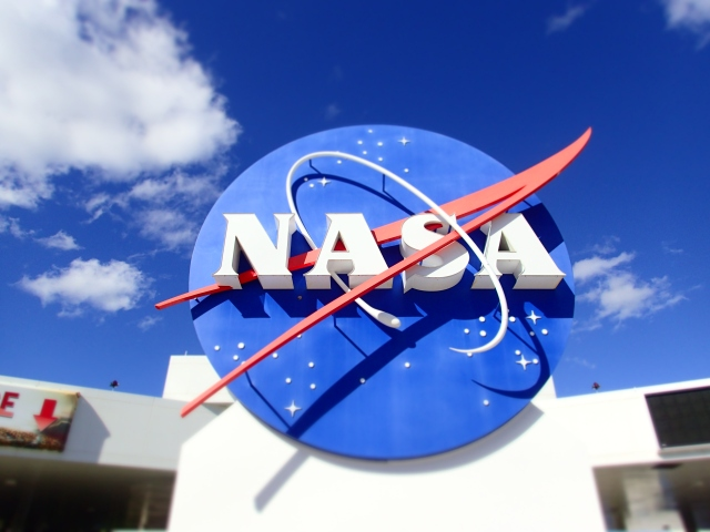 nasa meatball, kennedy space center visitors complex, florida, the greener bench blog