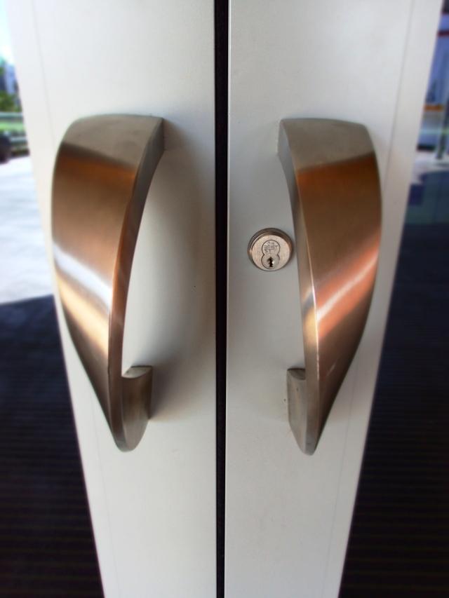 door handles, space shuttle Atlantis exhibit building, kennedy space center, florida, the greener bench blog