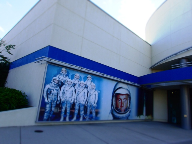 john glenn mural on wall at kennedy space center visitors complex, florida, the greener bench blog